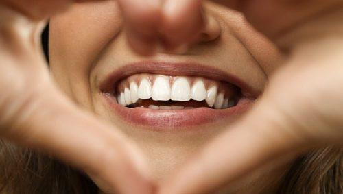 کامپوزیت کردن دندان ها
